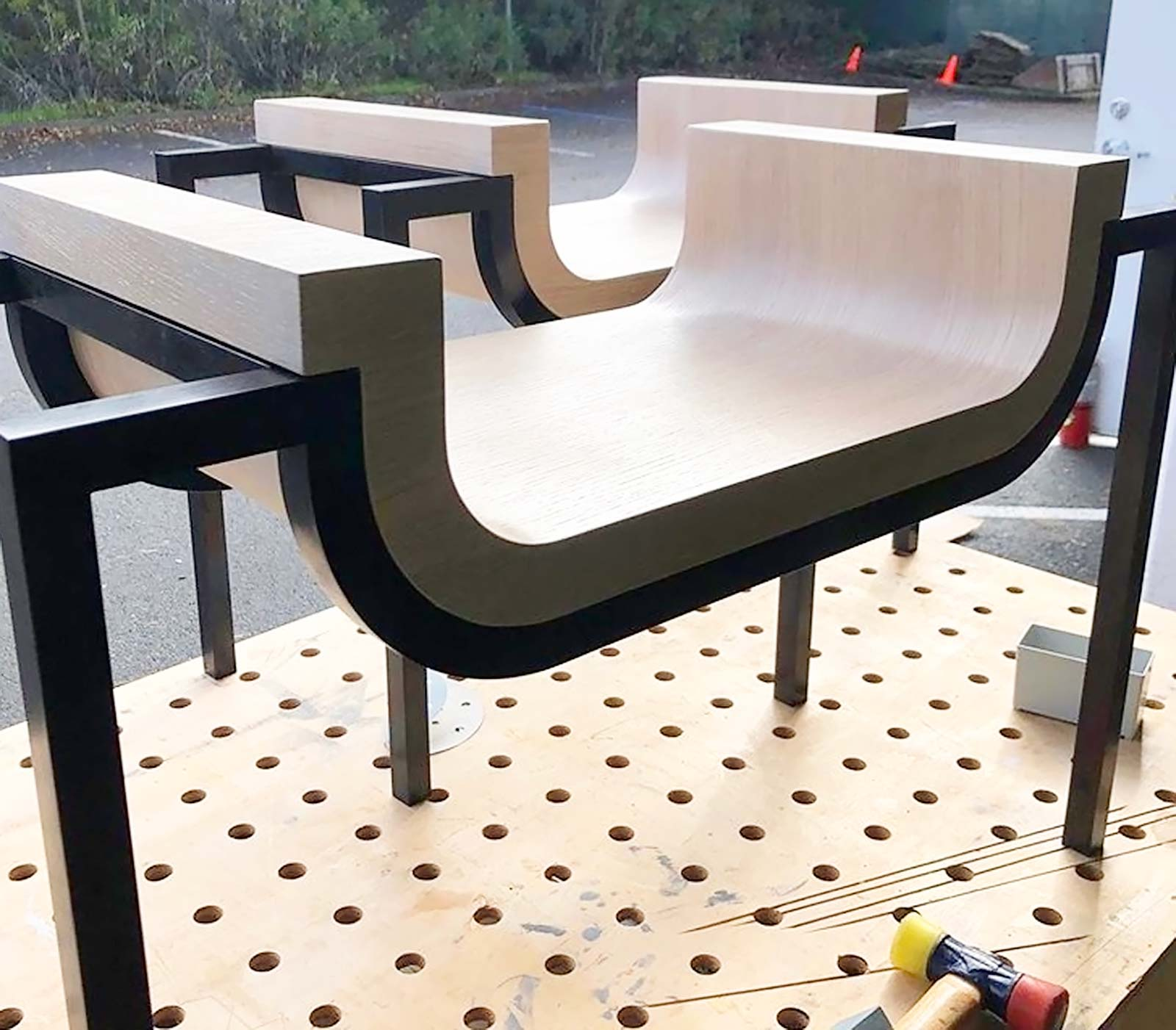 Curved bench leggs